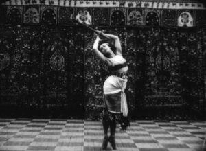 Figure 3-Tamara Karsavina dans Danse du flambeau (La Danse du XXème siècle - saison russe) (1909, Jules de Froberville) © Succession Froberville / Collection CNC - direction du patrimoine